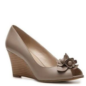Bandolino Shoes - Bandolino Wedge Peep-Toe Pump